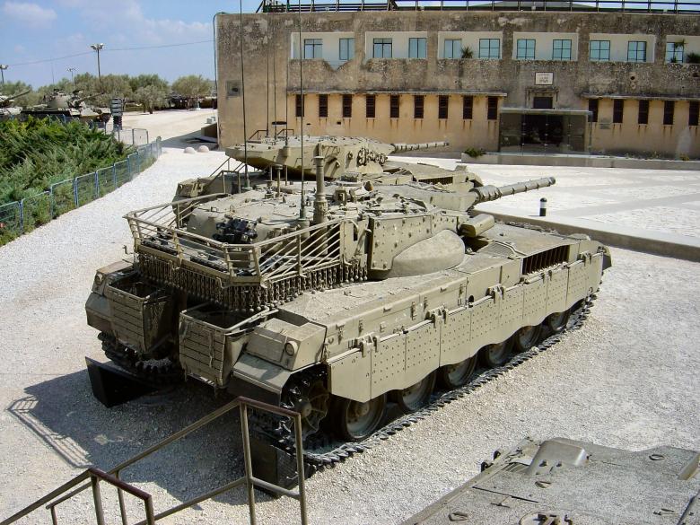 טנק מרכבה ככה צהל שיקר לחיילים ושלח אותם למותם בלבנון  Merkava_mkiii_23_of_37